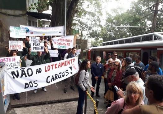 Ambientalistas protestam contra loteamento político do ICMBio