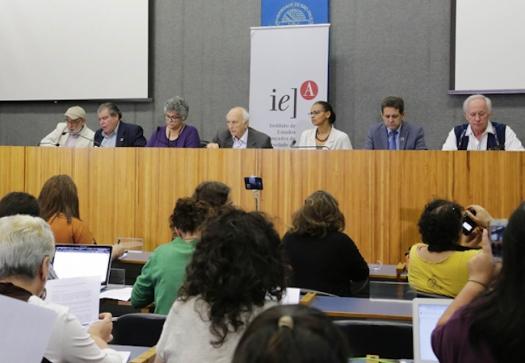 Ex-ministros denunciam desmonte da agenda ambiental brasileira