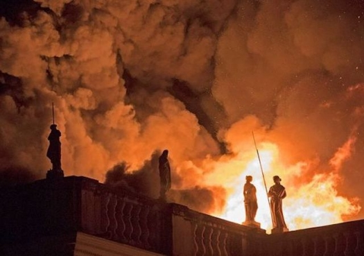 It was a foretold tragedy: Fire destroys Brazil National Museum and its prized science collections