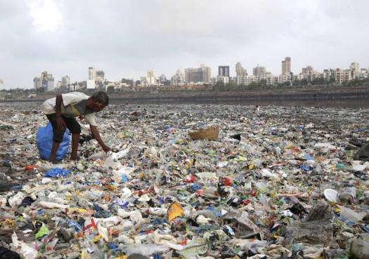 Um desafio do século: O que fazer com o plástico que não vai embora?